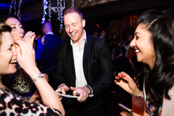 christmas party magician in kent